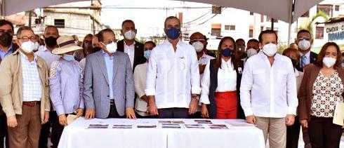 presidente-abinader-colaborara-con-60-millones-para-reconstruccion-del-mercado-municipal-de-san-fco-de-macoris